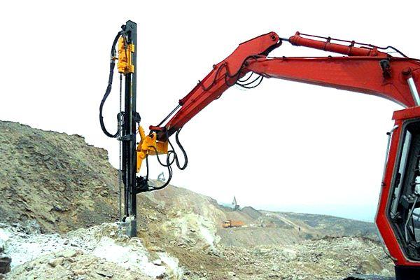 挖掘机改装液压凿岩机一分钟钻一米厂家