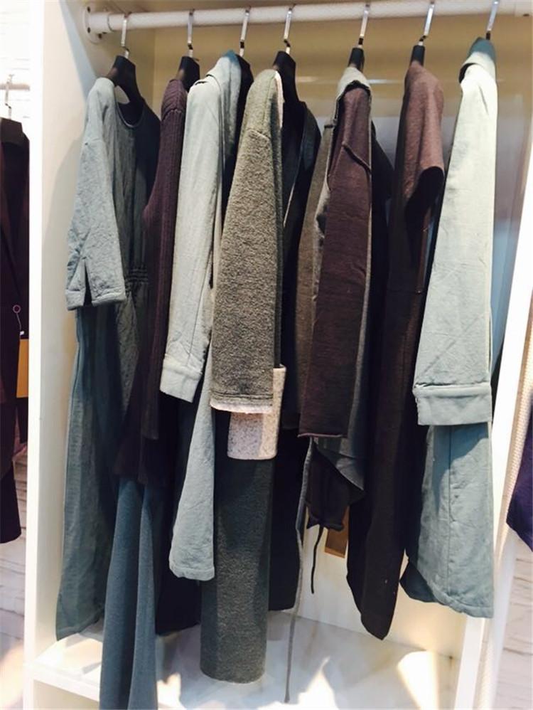 上海知名品牌女装批发低价尾货批发