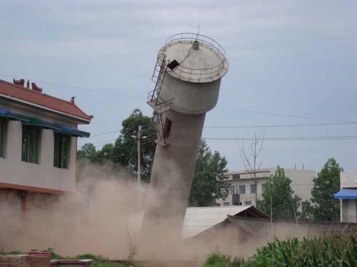 淮南工厂废旧烟囱拆除施工公司欢迎您!