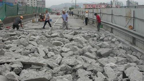 新疆哈密鎂石礦開采劈裂機生產廠家