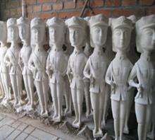 当代艺术雕塑《三胞胎姐妹》b-2