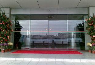太原维修安装玻璃门卷帘门自动门